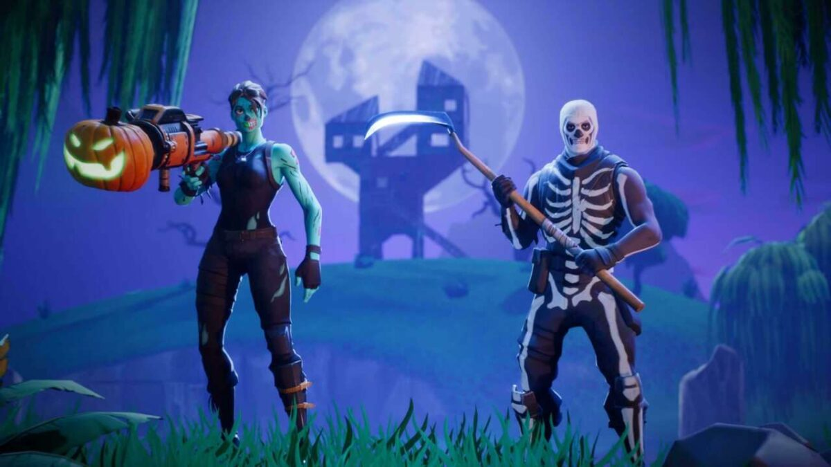 Fortnite Players Taking A Break From Fighting To Trick-Or-Treat